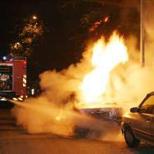 Auto-fiamme-2WEB