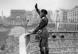 Folle oceanica per Mussolini durante il ventennio fascista
