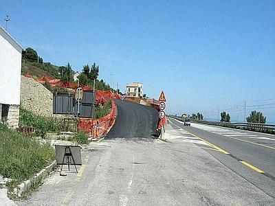 Un tratto della 106 tra Sibari e Roseto