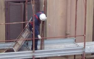 Incidenti lavoro: operaio cade da impalcatura, e' grave