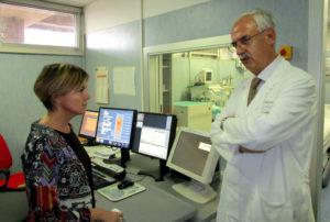 Nella foto il Ministro Beatrice Lorenzin e il Dott. Salvatore Galea nei locali della Radiolagia dell'Ospedale San. Giovanni Paolo II di Lamezia Terme durante la visita del Ministro avvenuta il 10 ottobre 2014.