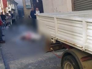 Donna travolta e uccisa da camion in pieno centro a Catanzaro