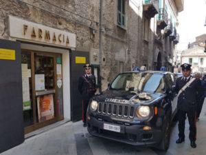 Ruba  in farmacia, ma ad aspettarlo ci sono i carabinieri che lo arrestano