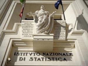 Lavoro: Istat, +203.000 occupati II trimestre, tasso sale 58,7%
