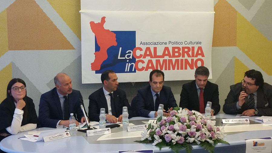 Nella foto da sinistra Teresa Corea, Carmelo Cosentino, Bruno Censore, Enzo Bruno, Michele Mirabello e Rocco Mungo