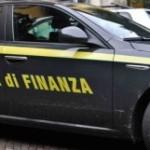 Gdf Reggio sequestra 800 capi contraffatti e denuncia 7 persone