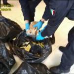 Droga: Gdf sequestra 62 chili cocaina nel porto di Gioia Tauro