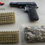 Armi: pistola e munizioni in casa, 80enne arrestato nel Reggino