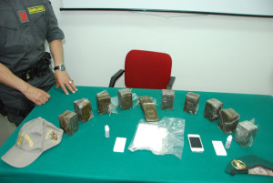 Droga: Crotone, Gdf sequestra 5 kg hashish e mezzo kg cocaina