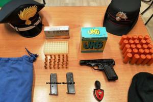Pistola e munizioni in casa, arrestato a Vibo Valentia