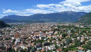 """Canta """"Bella ciao"""" a Bolzano, giovane aggredito da Casapound"""