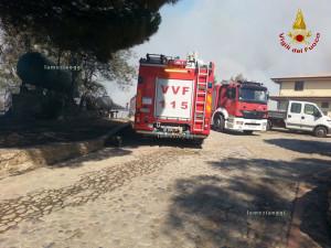 Incendi: pomeriggio di fuoco nel Crotonese, Canadair in azione