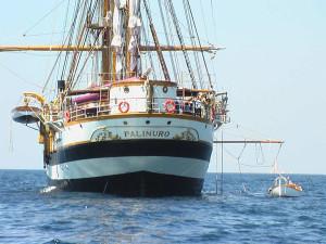 Marina militare: la nave scuola Palinuro in sosta a Crotone