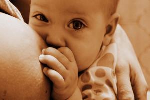 Allattamento seno: Unicef, 77 mln bimbi non lo ricevono a nascita