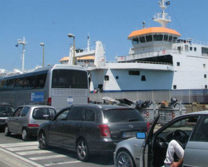Controesodo: 90 minuti in coda per imbarco traghetti a Messina