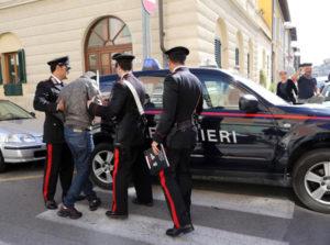 Rapina a mano armata in bar a Crotone, arrestato un uomo