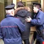 Ruba capi d'abbigliamento a Reggio Calabria, fermata una donna
