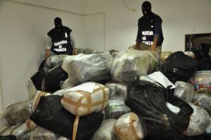 Droga: maxi sequestri di marijuana nel Salento, 11 arresti