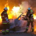 Intimidazioni: auto incendiata nella notte a Vibo Valentia