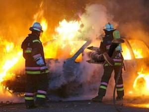 Due autovetture in fiamme nella notte a Mileto e Briatico