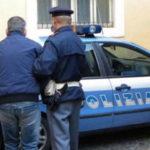"""""""Mago della truffa"""" tenta fuga da finestra a Roma, arrestato"""