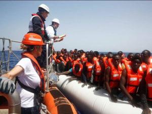 Migranti: nave con 720 persone attesa nel porto di Vibo