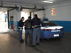 Furti: filippino arrestato dalla Polizia di Stato a Reggio