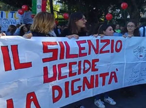 Violenza sessuale: Cafiero, a Melito solidaierieta'a responsabili