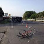 Incidenti: scontro auto bici sulla 106 a Reggio, un morto