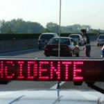 Incidenti stradali: scontro tra auto su A2 due feriti