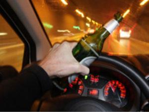 Guida in stato di ebbrezza e provoca incidente denunciato