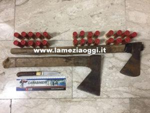 Minaccia gestore bar e carabinieri con un coltello, arrestato