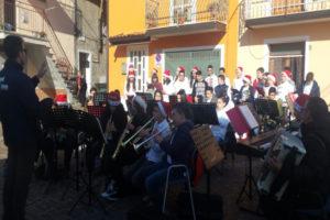 """Platania: Blu Note e """"La Casa di Babbo Natale"""" tra le vie del borgo"""