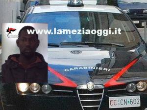 Tenta di rubare suppellettili, gambiano arrestato da Cc a Gioia Tauro