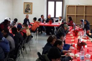 Natale: Catanzaro, arcivescovo e sindaco a pranzo con i poveri