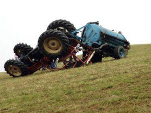 Incidenti lavoro: si ribalta trattore, un morto nel Vibonese