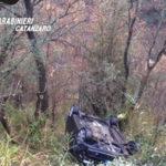 Auto precipita in un dirupo, donna soccorsa dai Carabinieri