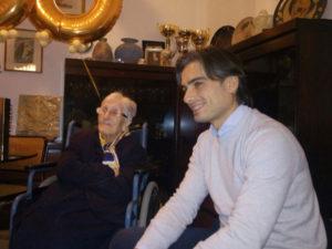 Compie 100 anni nonnina di Reggio, gli auguri del sindaco