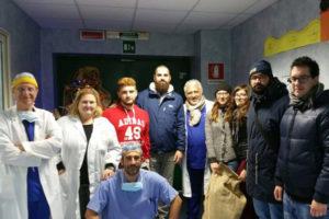 Reggio: CasaPound distribuisce doni bambini reparto Chirurgia Pediatrica