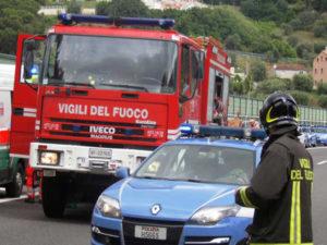 Autobus in fiamme nel Materano, paura ma nessun ferito