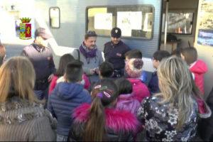 Polizia: Camper legalità fa tappa nelle scuole di Reggio