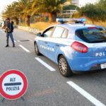 Forza posto blocco e finisce contro muro a Crotone, arrestato