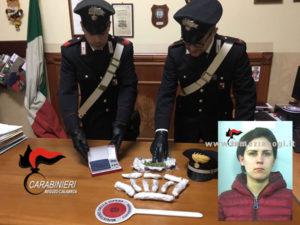 Droga: in casa dosi pronte per la vendita, arrestata donna