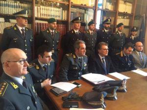 Criminalita': polizia e Gdf, arrestati 6 'caporali' in Puglia