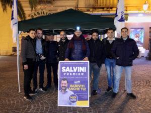 Lamezia: Noi con Salvini in piazza con i il gazebo  raccolta firme