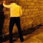 Lamezia: urinano e fanno rumori per strada, la denuncia dei residenti