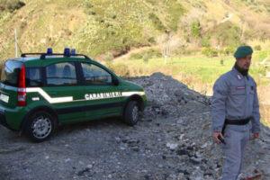 Rifiuti: discarica vicino a torrente, tre denunce a Catanzaro