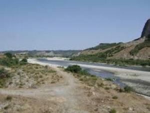 Ambiente: operazione Capitaneria Crotone, rifiuti nel fiume Neto