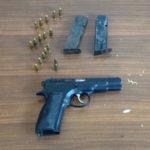 Armi: pistola e munizioni nella legnaia di casa, arrestato