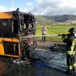 Lamezia, a fuoco autobus Multiservizi in via Perugini